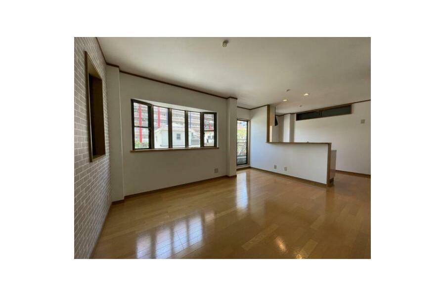 3LDK House to Buy in Osaka-shi Minato-ku Living Room