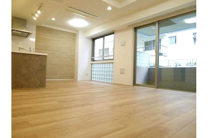 3LDK Apartment to Buy in Shibuya-ku Living Room