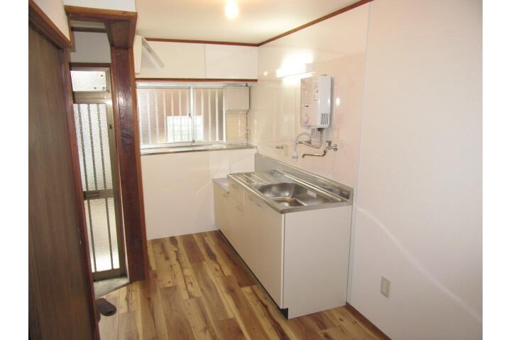 3K House to Rent in Matsubara-shi Living Room