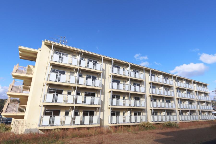 1DK Apartment to Rent in Mizunami-shi Exterior