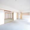 3LDK Apartment to Buy in Kishiwada-shi Interior