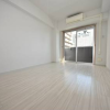 1K Apartment to Rent in Osaka-shi Naniwa-ku Room