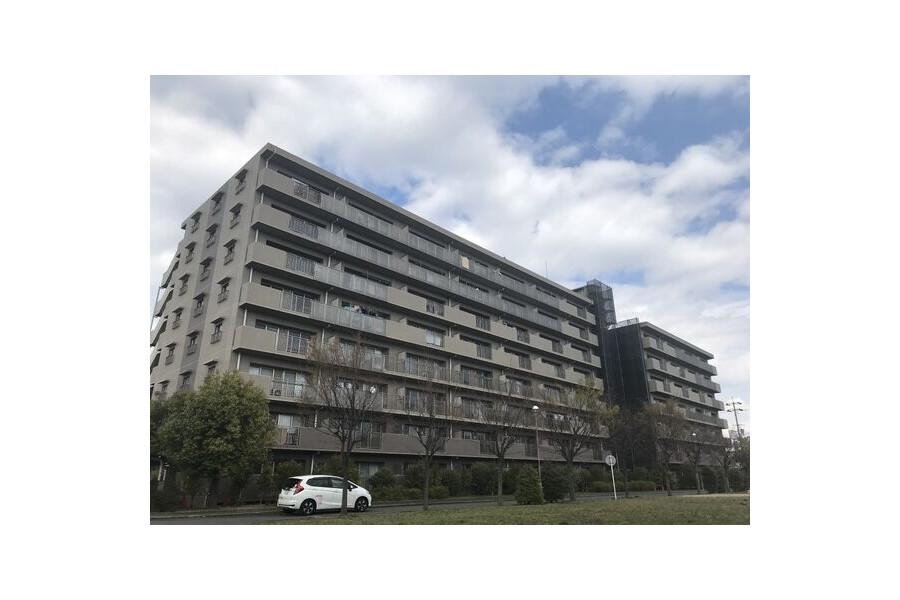 3LDK Apartment to Rent in Takatsuki-shi Exterior