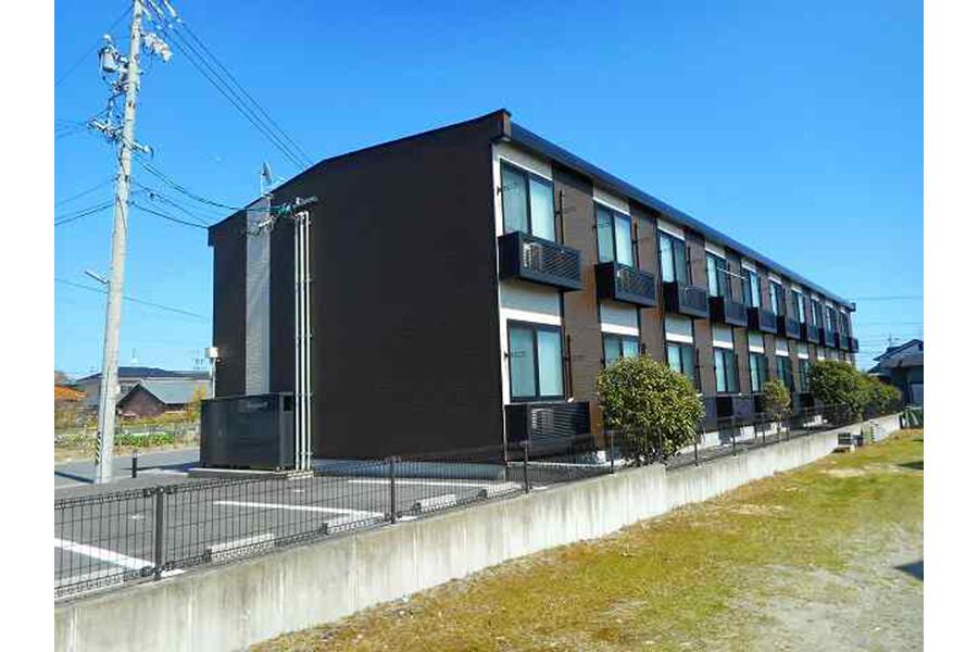 1K Apartment to Rent in Suzuka-shi Exterior