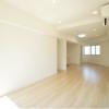 1LDK Apartment to Buy in Meguro-ku Living Room