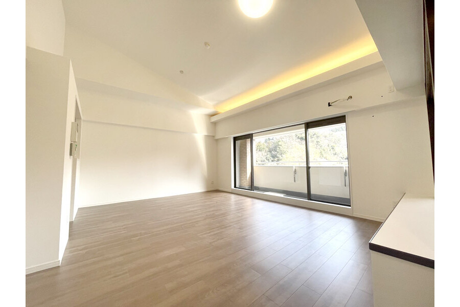 3LDK Apartment to Buy in Kamakura-shi Living Room