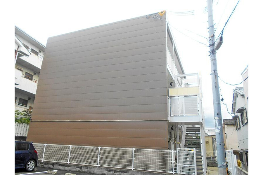 1K Apartment to Rent in Higashiosaka-shi Exterior