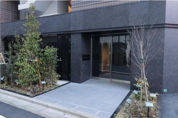 2K Apartment to Rent in Toshima-ku Entrance Hall