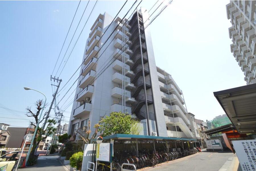 3DK Apartment to Rent in Bunkyo-ku Exterior