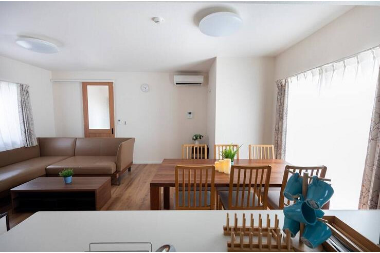 4LDK House to Rent in Osaka-shi Naniwa-ku Living Room