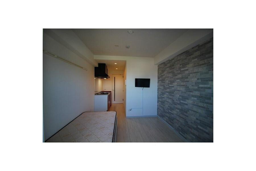 1R Apartment to Rent in Osaka-shi Tennoji-ku Living Room