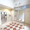 1LDK Apartment to Rent in Osaka-shi Yodogawa-ku Entrance Hall