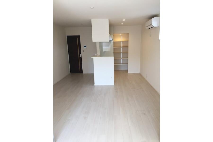 1LDK Apartment to Rent in Kawasaki-shi Tama-ku Living Room
