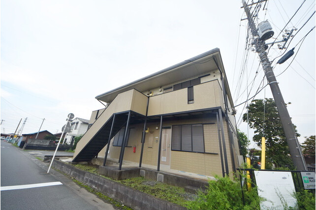 2LDK Apartment to Rent in Kitamoto-shi Exterior