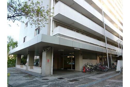 3DK Apartment to Rent in Shinjuku-ku Interior