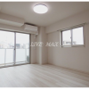 1K Apartment to Rent in Yokohama-shi Nishi-ku Living Room