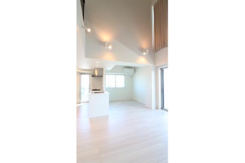 在港區內租賃4LDK 公寓大廈 的房產 起居室