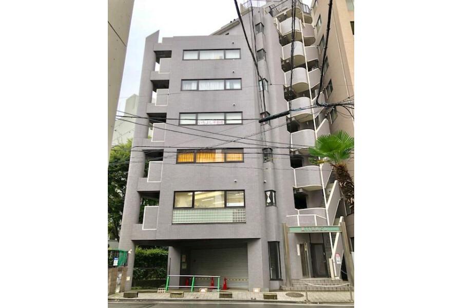 1K Apartment to Rent in Yokohama-shi Nishi-ku Exterior