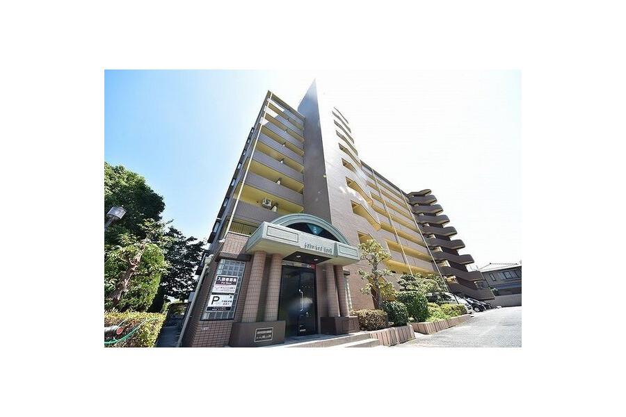 3LDK Apartment to Rent in Osaka-shi Tsurumi-ku Exterior