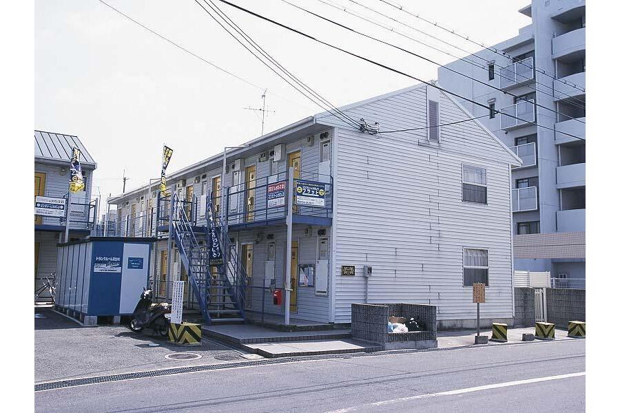 1K Apartment to Rent in Kishiwada-shi Exterior