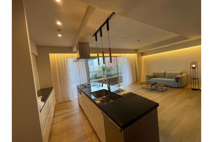 3LDK Apartment to Rent in Minato-ku Living Room