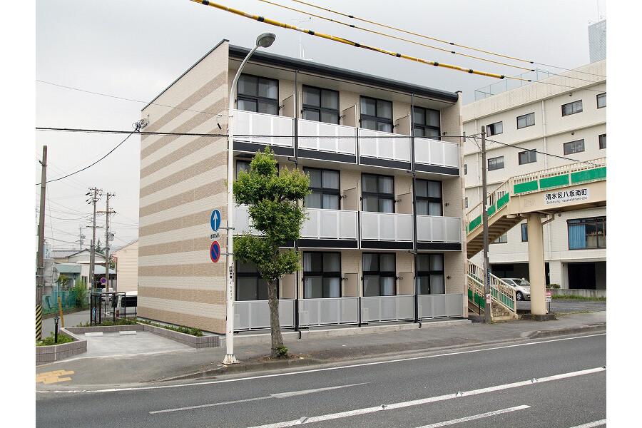 1K Apartment to Rent in Shizuoka-shi Shimizu-ku Exterior