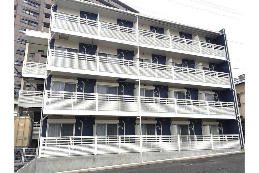 1R Apartment to Rent in Sasebo-shi Exterior