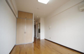 1R Apartment in Kitakasai - Edogawa-ku