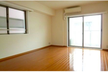 1K Apartment to Rent in Shinjuku-ku Living Room