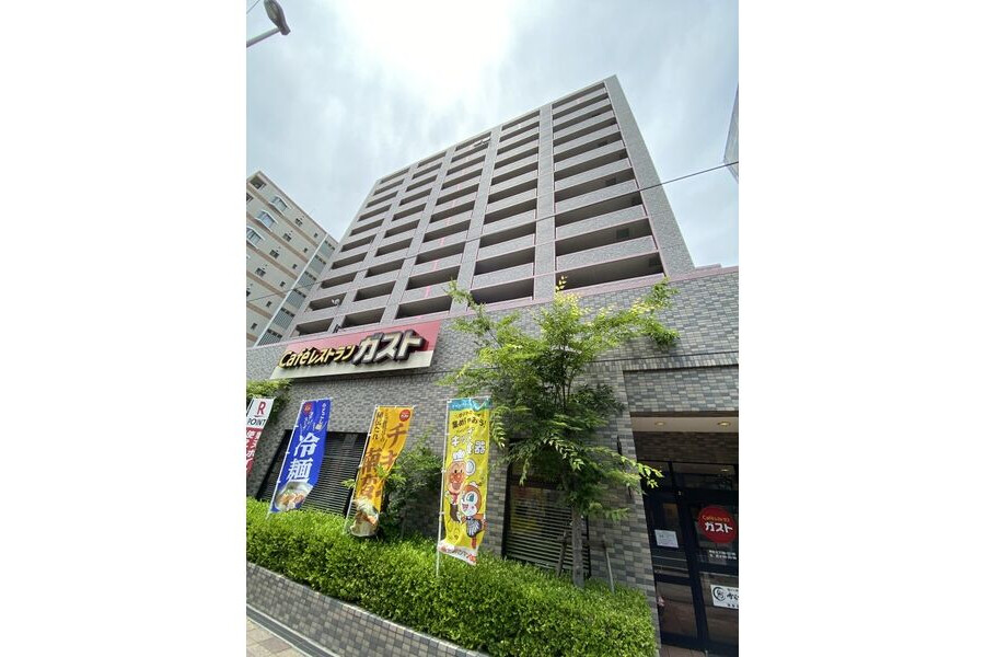3LDK Apartment to Rent in Kobe-shi Hyogo-ku Exterior