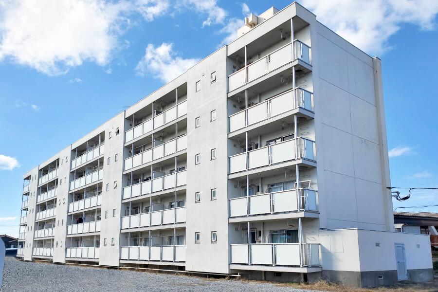 在魚津市內租賃2K 公寓大廈 的房產 戶外