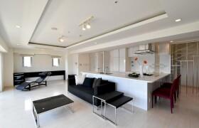 2SLDK {building type} in Roppongi - Minato-ku