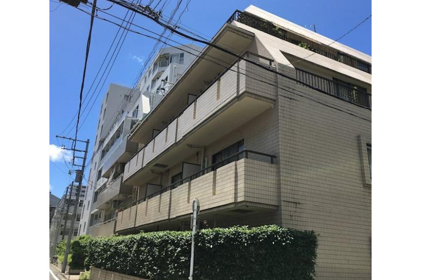 1DK Apartment to Buy in Meguro-ku Interior