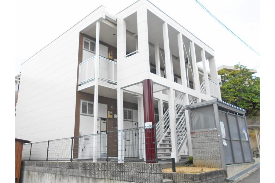 1K Apartment to Rent in Suita-shi Exterior
