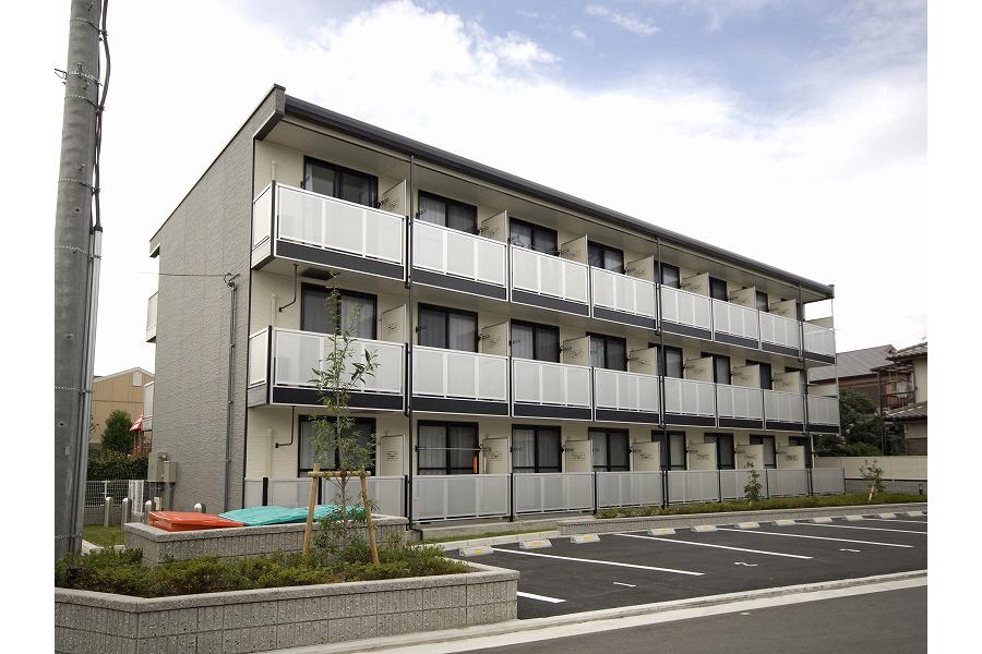 1K Apartment to Rent in Sakai-shi Kita-ku Exterior