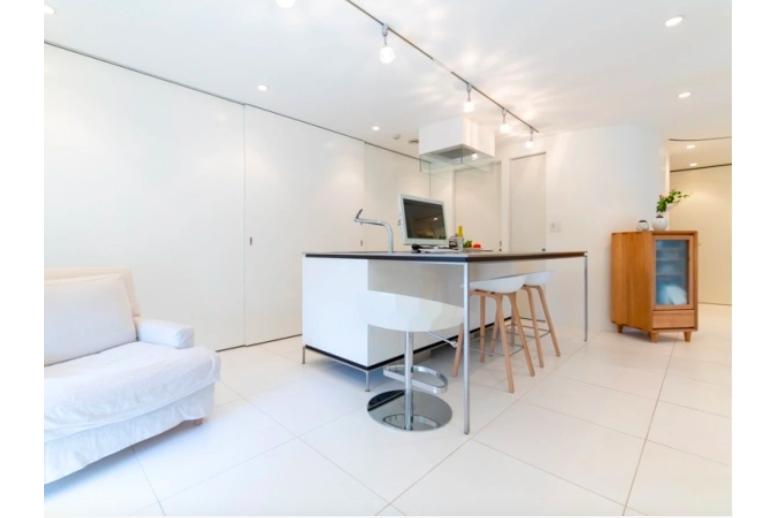 2SLDK Apartment to Buy in Yokohama-shi Nishi-ku Living Room