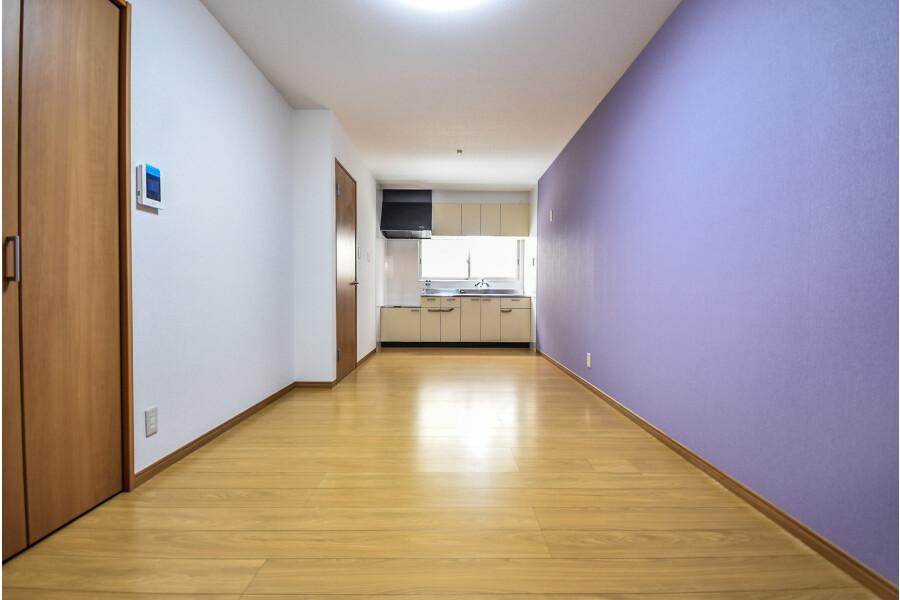 1LDK House to Rent in Higashiosaka-shi Living Room