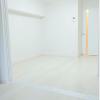 在港区购买1LDK 公寓大厦的 起居室