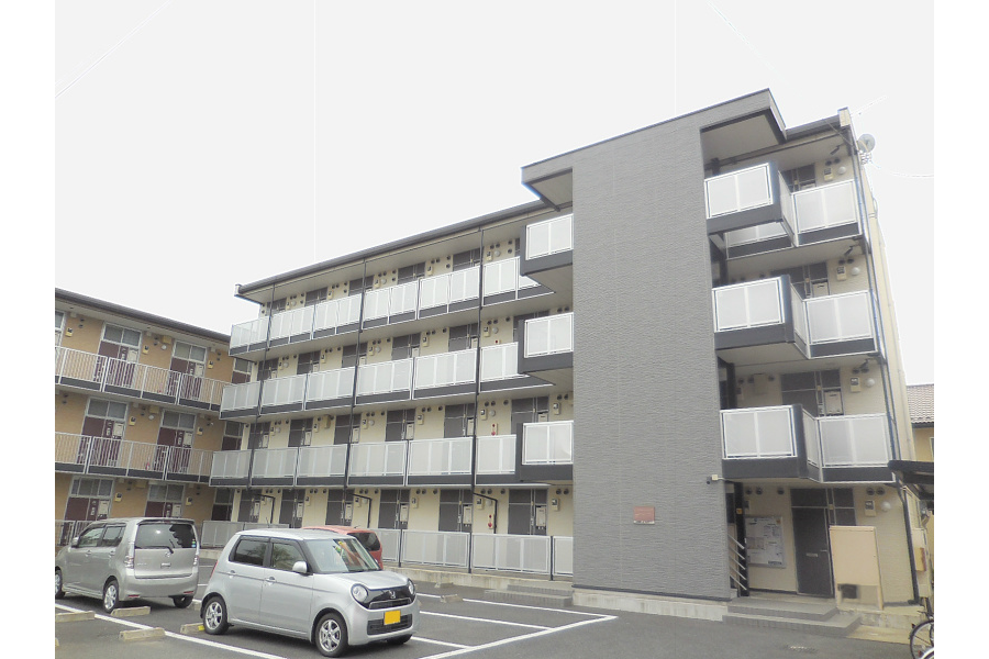 1K Apartment to Rent in Maebashi-shi Exterior