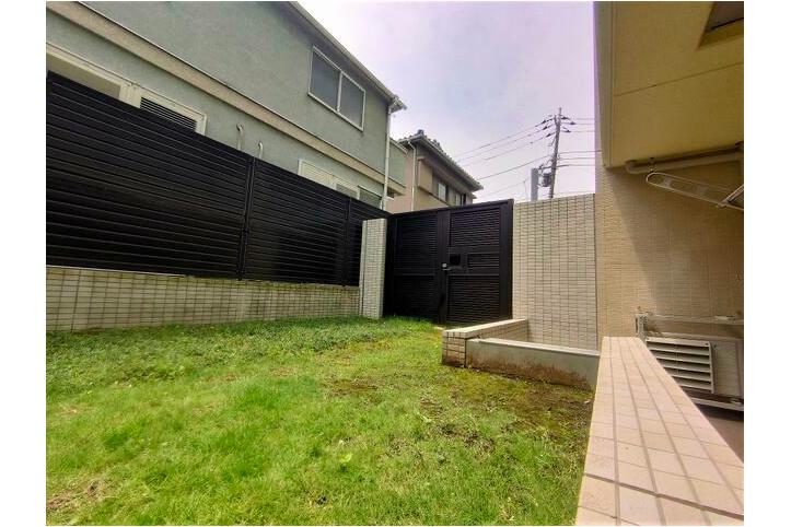在目黒區購買2LDK 公寓大廈的房產 花園