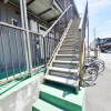 1K Apartment to Rent in Matsudo-shi Building Entrance