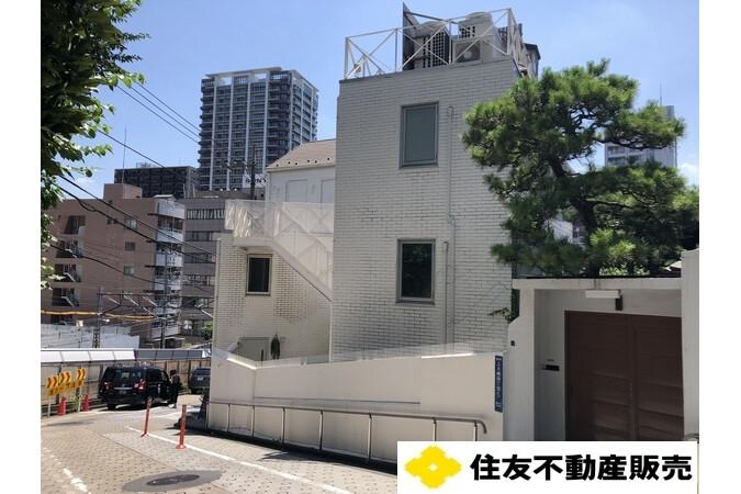 Whole Building Retail to Buy in Shinagawa-ku Exterior