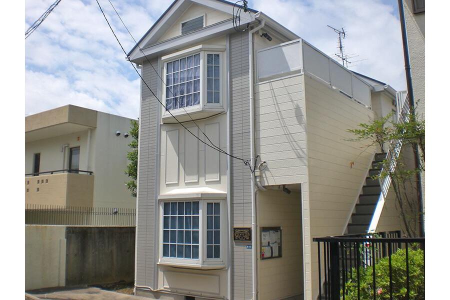 1K Apartment to Rent in Kobe-shi Suma-ku Exterior