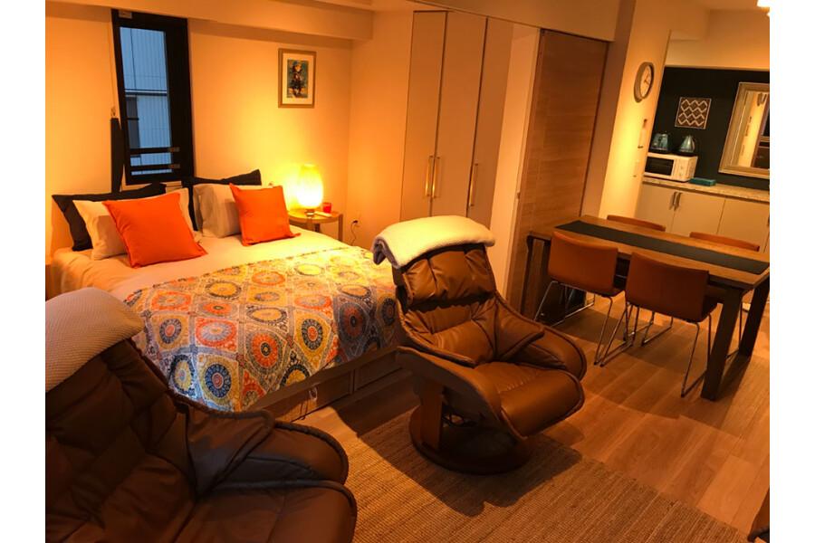 1LDK Apartment to Rent in Shinjuku-ku Bedroom