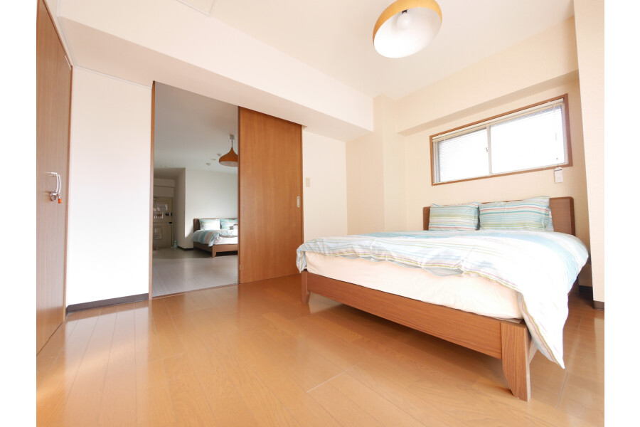 1LDK Serviced Apartment to Rent in Shibuya-ku Bedroom