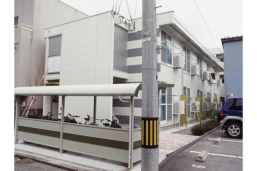 1K Apartment to Rent in Kanazawa-shi Exterior