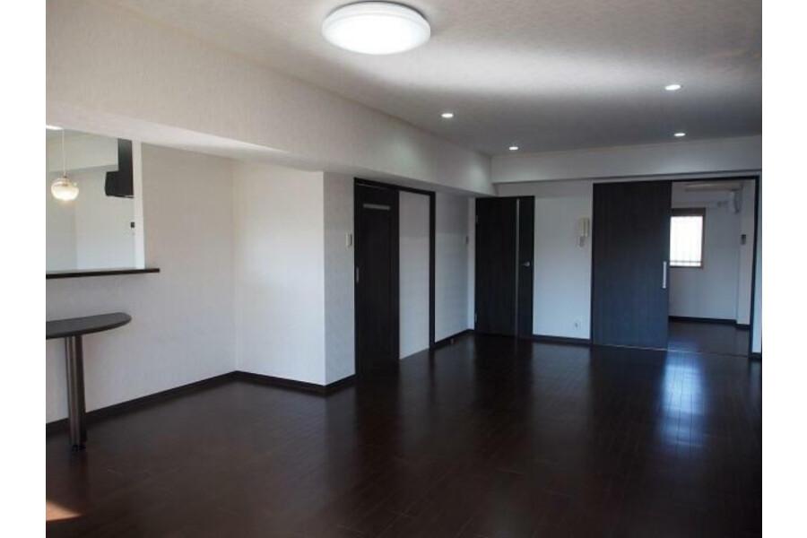 2SLDK Apartment to Buy in Shinagawa-ku Interior