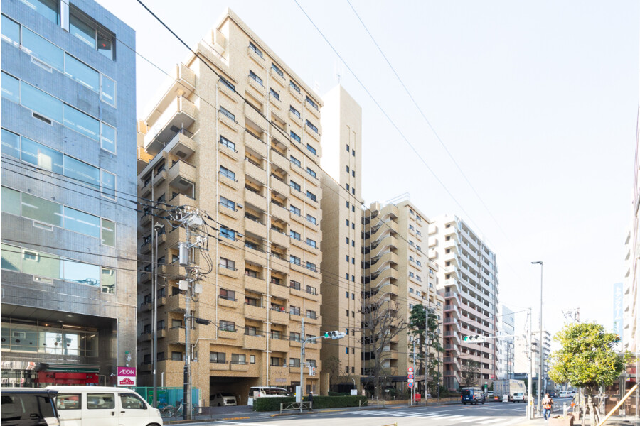3LDK Apartment to Buy in Bunkyo-ku Exterior