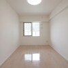2LDK Apartment to Buy in Osaka-shi Chuo-ku Bedroom