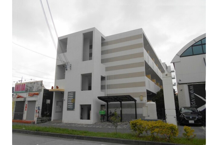 1K Apartment to Rent in Nakagami-gun Chatan-cho Exterior